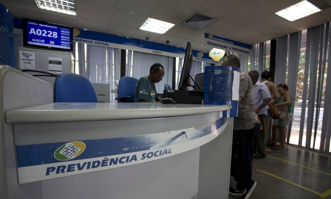 x80651653_EC-Rio-de-Janeiroi-RJ-15-01-2019-Movimento-nas-agencias-do-INSS-Na-.jpg.pagespeed.ic.zfn7N1gQmx