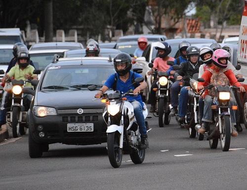 03-0916-0014-carros-motos-go