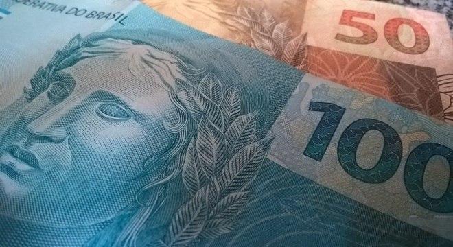 nota-de-real-dinheiro-100-reais-50-reais-26102018154621091